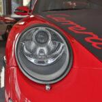 Lumière avant d'une Porsche 911 Carrera 2006 - EXO Automobiles
