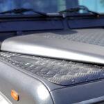 Range Rover Defender 2004_Détail capot