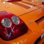 Phare arrière gauche d'une Toyota MR2 Spyder 2003 orange - EXO Automobiles