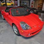 Vue d'ensemble d'une Toyota MR2 Spyder 2004 rouge - EXO Automobiles